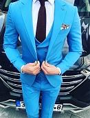Костюм мужской голубого цвета